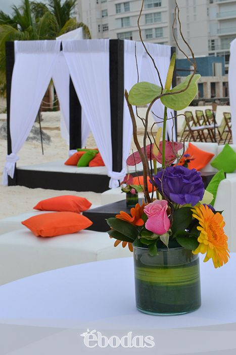 Decora con arreglos en colores llamativos flores - Colores llamativos ...