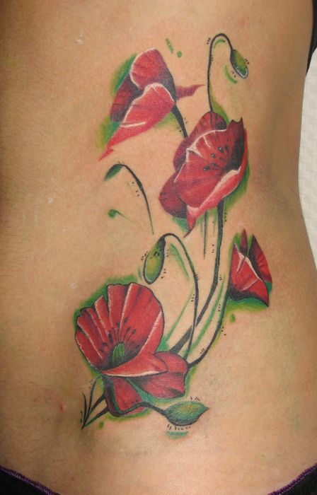 poppiesTattoo Ideas, Tattoo Rose Shades, Poppies Tattoo2, Contrast Colors, Beautiful Tatt, Totally Tattoo, Flower Tattoos, Pretty Poppies, Green Shades