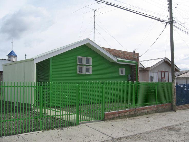 Reciclaje vivienda social. Telecentro población Alfredo Lorca. Punta Arenas 2008. Seremi Minvu Magallanes