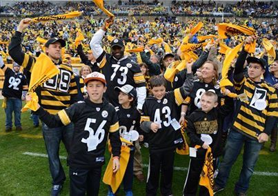 Charlie Hunnam at Heinz Field in Pittsburgh, PA on 11.17.2013 for the Steelers VS Lions game