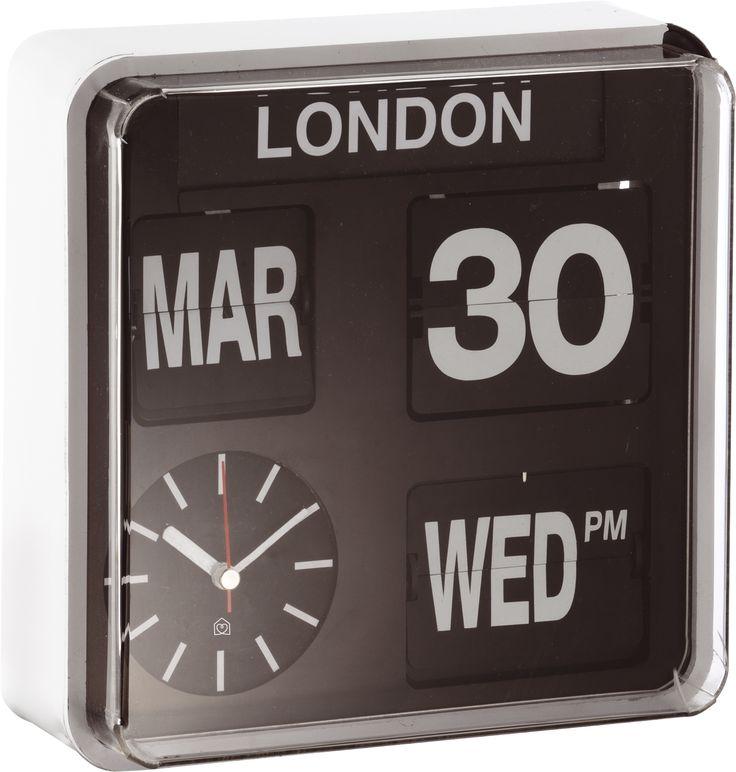 L'horloge murale Flap rappelle les horloges rétro des années 60. Inspirée des tableaux des aéroports, la date et le jour tournent à l'aide de volets automatiques. Un accessoire qui se fondera parfaitement dans un bureau.