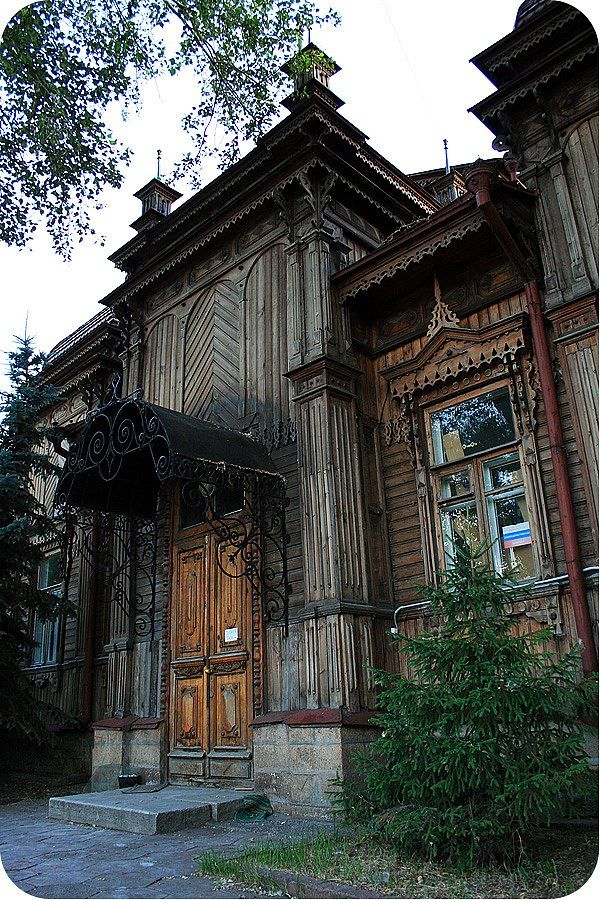 The detached house of Larintsev ,built in the end of the 19th century in Chelyabinsk
