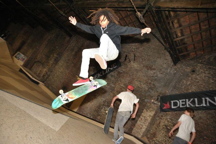 Er zijn in WSC twee manieren om je kinderfeestje te vieren: 1.Je komt metje vrienden naar WSC op de reguliere openingstijden en gaat vrij skaten in ons park. Kosten: Entree per persoon: €5,- Skateboard huur per board voor de hele dag: €5,-  2.Je komt op zaterdag of zondag ochtend naar WSC. Daar krijg jeskateboard …