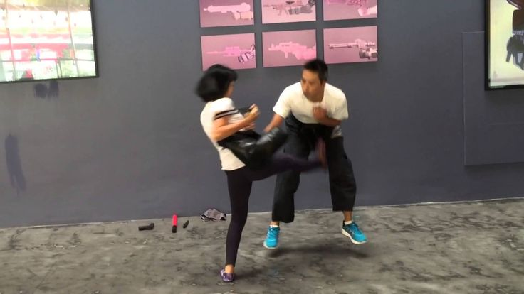 Learn Krav Maga in Bangkok with a certified French instructor from the FEKM (Fédération Européenne de Krav Maga), 8 year-experienced 2nd darga Krav Maga black belt.  Courses are instructed in French or English.