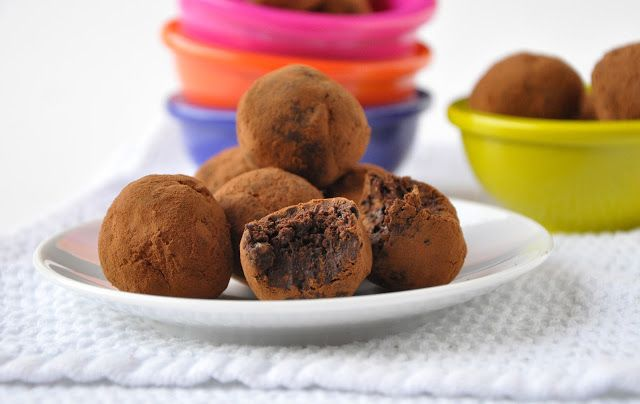 The 'worlds healthiest' chocolate truffles! | including cake