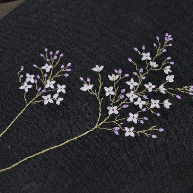 수수꽃다리 #야생화자수 #야생화느낌자수 #들꽃자수 #꽃자수 #handmade #embroidery #flowers