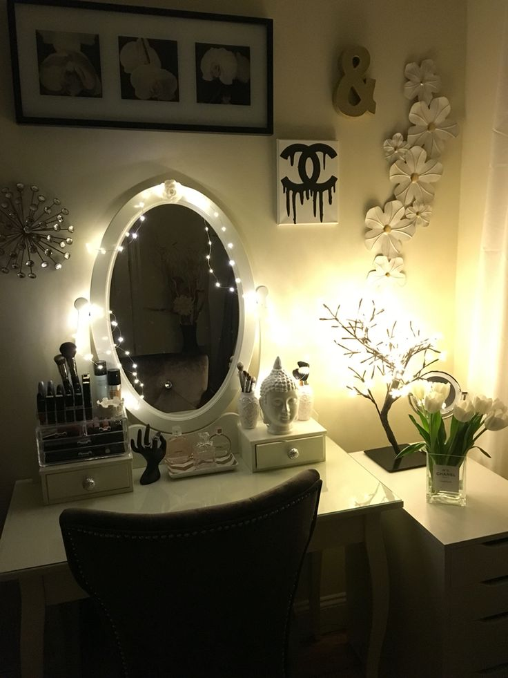 Vanity With String Lights : IKEA Hemnes Vanity - String lights Home Decorating Pinterest String lights, Love and Vanities