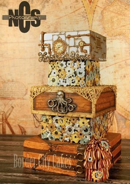 this is the ultimate vintage wedding cake - very different and daring!