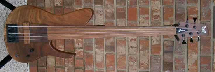 Fodera 5 string fretless