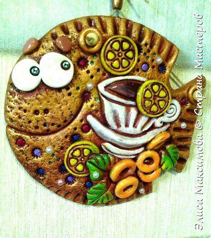 Поделка изделие Лепка Чайная рыбка подвеска-сувенир Тесто соленое фото 1