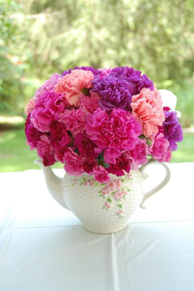 Tea-Pot Carnation arrangement for tea party bridal shower (Photo by Alex Kelleher)