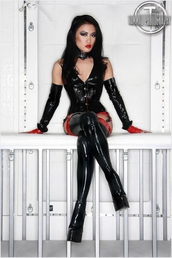 German Latex And Rubber Femdom Dvd 102