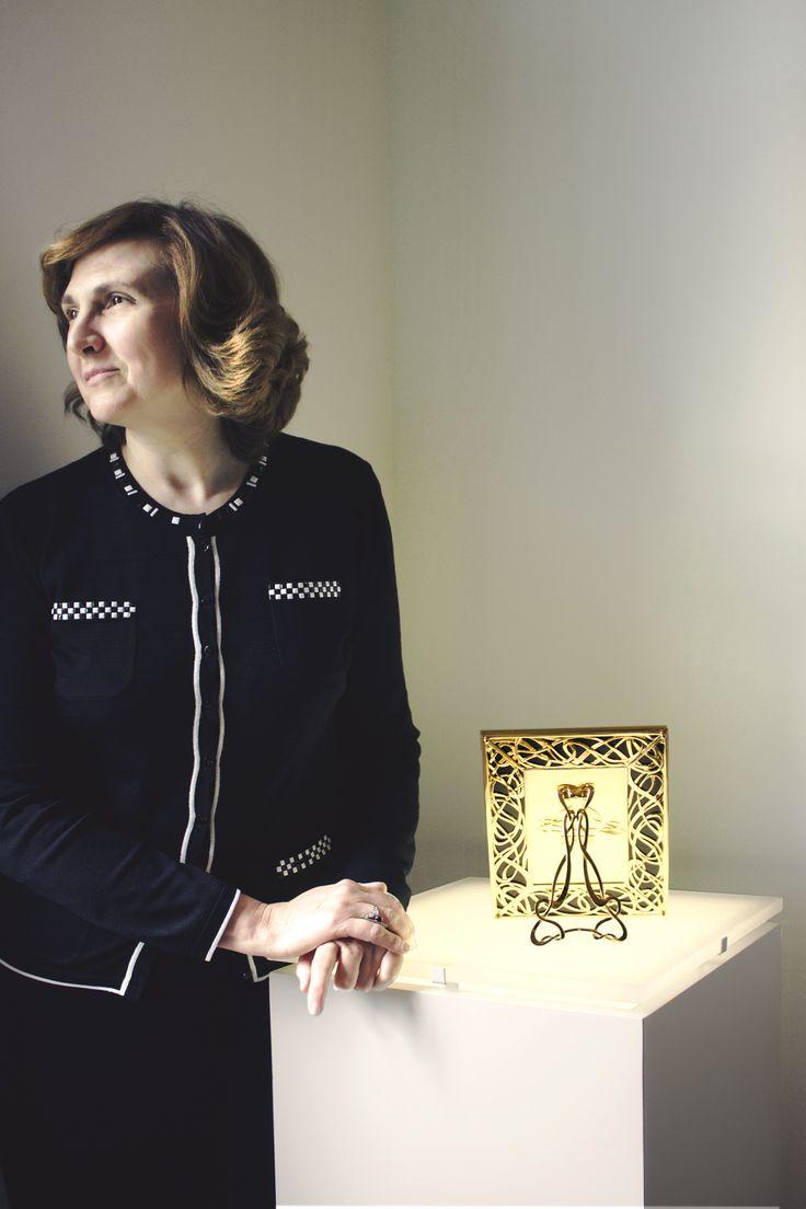 Laura Ghiaini Bosco with her #luxury #frame #model #illumination