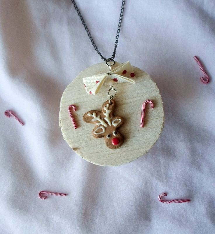 Christmas reindeer gingerbread cookie necklace | polymer clay cute jewelry  find it here:12356905_789347894525511_8020712533003048529_o.jpg (880×960)