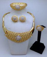 2016 Dubaï 18 K Plaqué Or Bijoux Définit Mariage Nigériane Perles Africaines Bijoux De Mariée De Cristal Ensemble Strass Éthiopien Bijoux(China (Mainland))