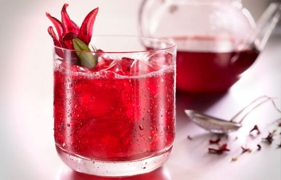 Hibiscus ( Karkade ) regulates blood pressure. Drinking a cold Hibiscus , blood pressure goes down. Encourage excess liquid removal from the body.
