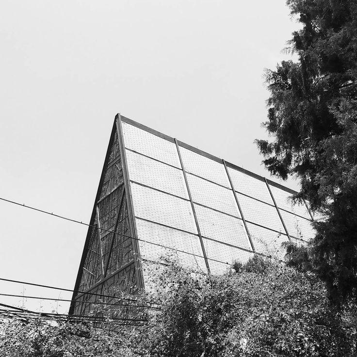 Iglesia San Ignacio de Loyola.  By: Juan Sordo Madaleno.  Moliere, Polanco [1961].  .  .  .  .  .  📸Luis Zamora.  #midcentury #archigram #mextagram #church #design #SordoMadaleno #cmdx #mexico #mexicolors #vsco #vscocam #buildinglover #blackandwhite #baw #architecture #architecturalphotography