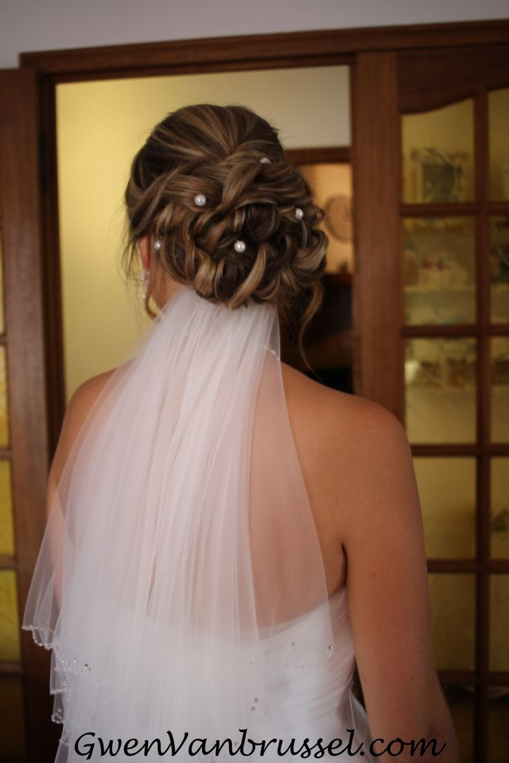 129 best coiffures maquillages mariage images on pinterest hair makeup weddings and hair dos. Black Bedroom Furniture Sets. Home Design Ideas