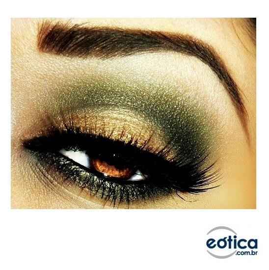 Olhos na cor castanha + make up #make #maquiagem
