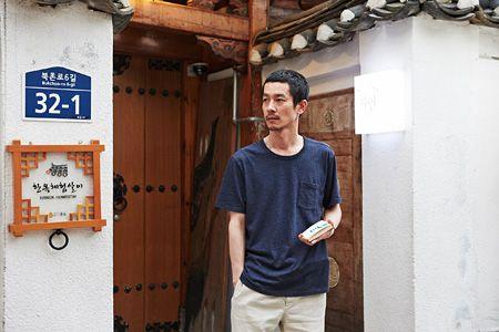 加瀬亮が憧れの年上女性を追ってソウルへ、ホン・サンス監督の最新作『自由が丘8丁目』