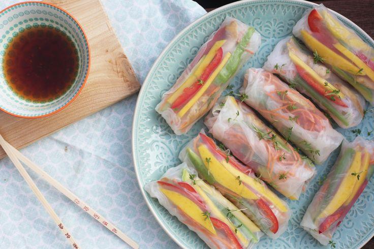 Heerlijke zomerse springrolls met kip en mango. Gemaakt met rijstvellen dus ook nog verantwoord. Een kwestie van vullen met wat je lekker lijkt!