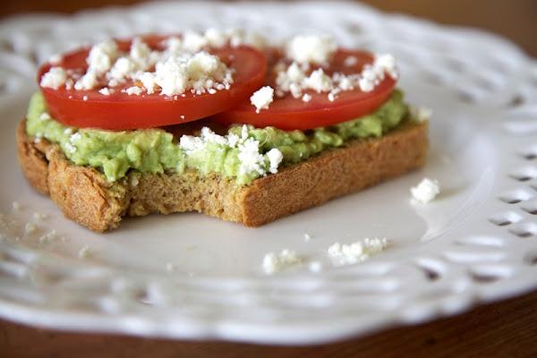 Avocado & Tomato Tartine | Food I want to try | Pinterest