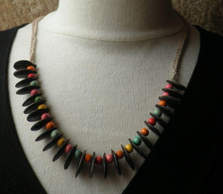 collier en graines de courge du Siam et perles de bois multicolores : Collier par sisterscreations21