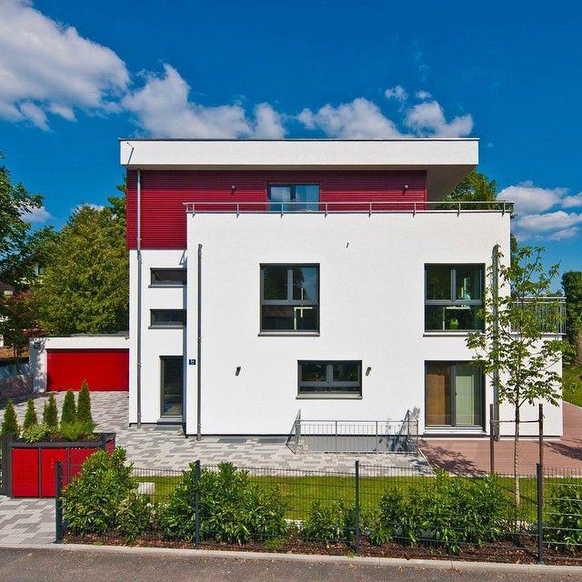Haus Des Tages Studer Fertighausweiss Fertighaus Weisshaus Hausbau Architecture Rotweiss Bauhaus In 2020 House Styles House Home Decor