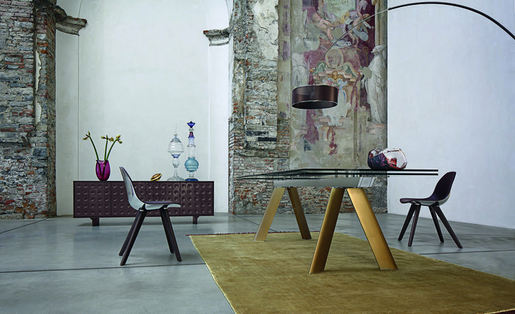 Roche bobois chronos dining table design by guisy for Catalogue canape roche bobois