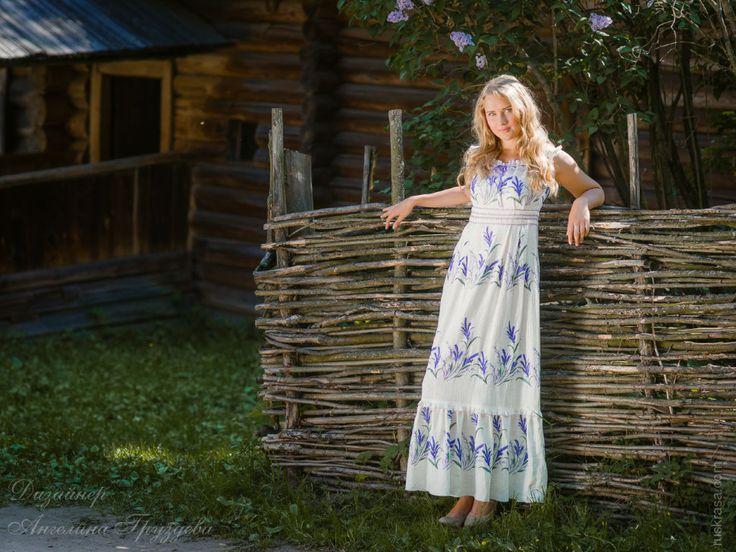 """""""Лавандовый аромат..."""" льняное платье с вышивкой, дизайнер Ангелина Груздева Льняное платье с вышивкой """"Лаванда"""""""