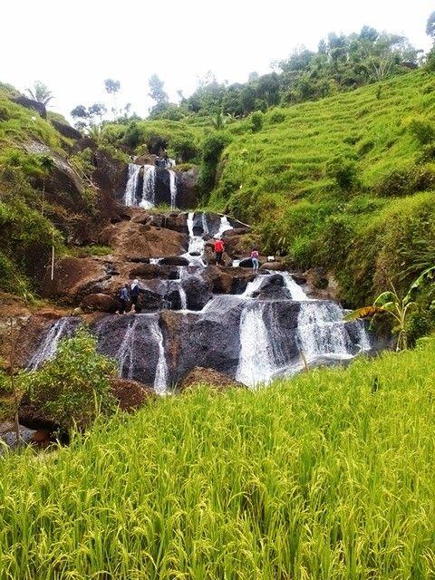 Waterfall Kedung Kandang, Yogyakarta, Indonesia http://amicirentalmotorjogja.blogspot.com/2015/02/air-terjun-kedung-kandang.html