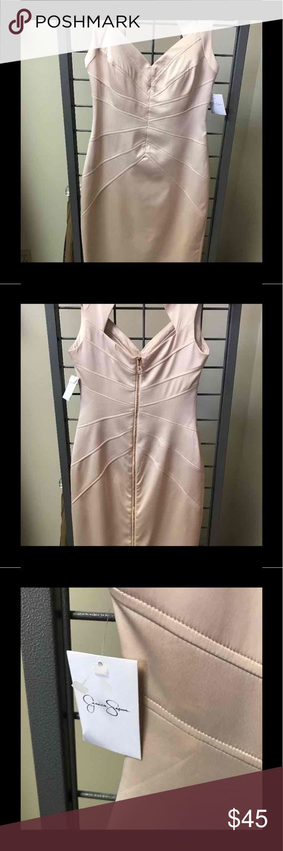 NWT Champagne Colored Dress👗 Jessica Simpson form fitting dress perfect for any Summer Event! Jessica Simpson Dresses Midi
