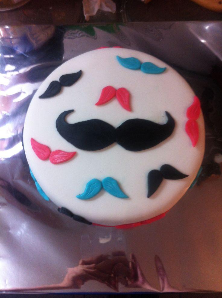 Mostachos torta, cake mostacho, fondant
