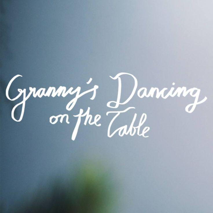 Granny's dancing on the table réalisé par Hanna Sköld. http://place-to-be.net/index.php/cinema/en-salles/4470-granny-s-dancing-on-the-table-realise-par-hanna-skoeld