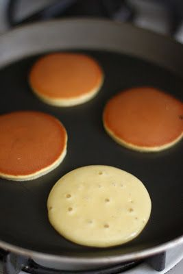 Dorayaki (Japanese Pancake with Red Bean Paste Filling)