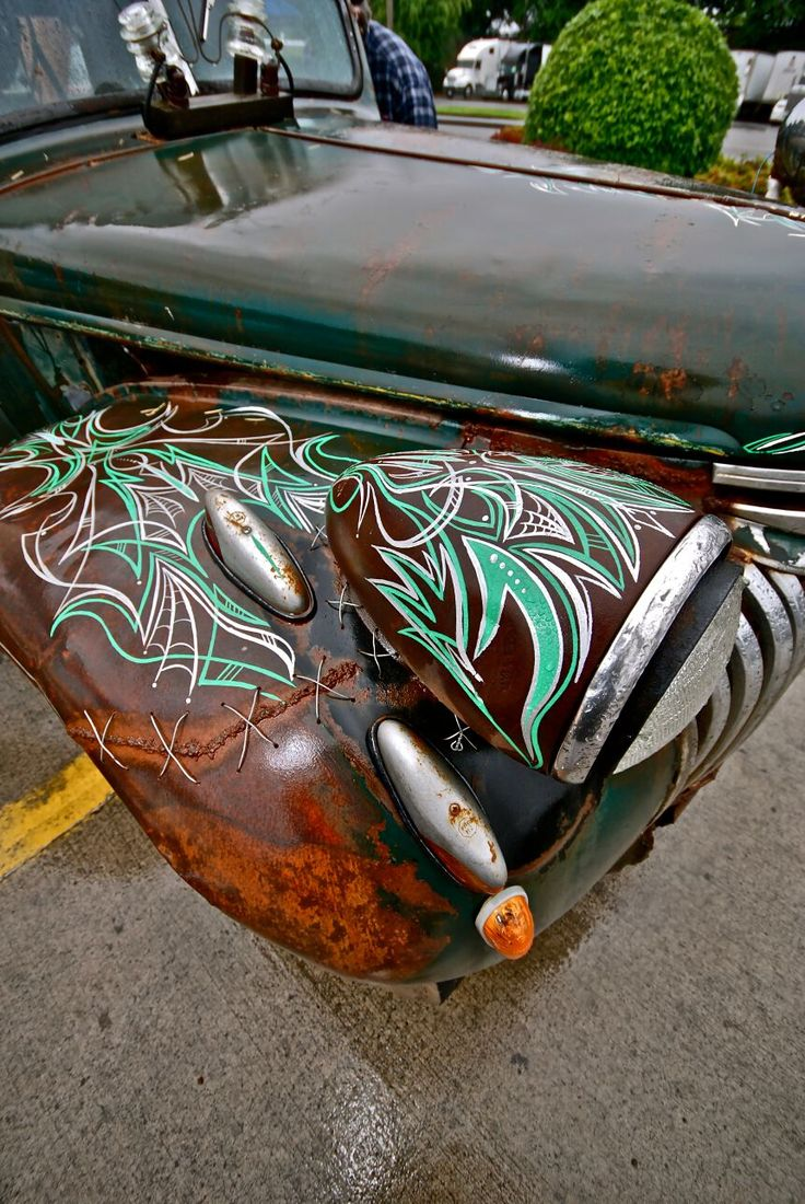 Classic cars authority cool pinstriping from the la roadster show - Even With Plenty Of Rain The 2011 Rose City Roundup Showed Some Cool Hot Rods Custom Cars And Great Pinstriping Designs