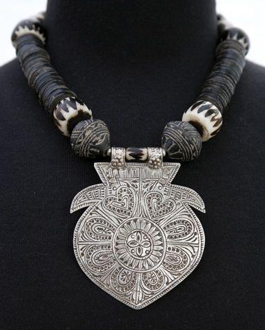 Kuchi pendant