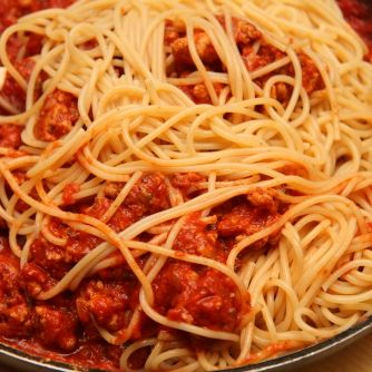 Bolognai spagetti recept (Spaghetti Bolognese) 16. fázisfotó