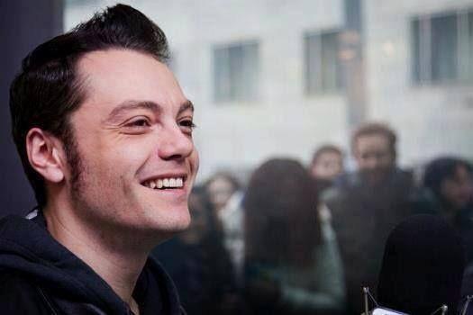 Tiziano Ferro Love his smile