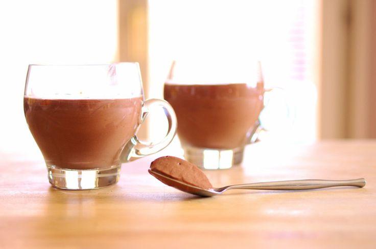 Une crème au chocolat gourmande & onctueuse, prête en un tour de main, que vous pouvez préparer à l'avance & personnaliser.   ♡ INGRÉDI