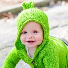 Sugar Bear - cute cardigan knitting pattern for babies and kids!