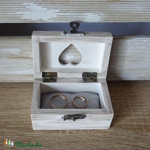 Vintage rusztikus romantikus esküvői gyűrűpárna fadoboz ékszerdoboz doboz ládika gyűrűpárna, Esküvő, Gyűrűpárna, Meghívó, ültetőkártya, köszönőajándék, Esküvői dekoráció, Festett tárgyak, Mindenmás, Meska