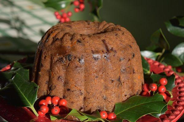 Καλησπέρα !!! Υπέροχη, μεθυστικά αρωματική, ζουμερή χριστουγεννιάτικη πουτίγκα !!!  Και όμως  , χωρίς ζάχαρη, βούτυρο, λευκό αλεύρι & αλκοόλ !!!
