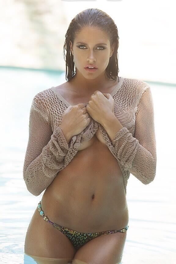 Beautiful green eyed women nude