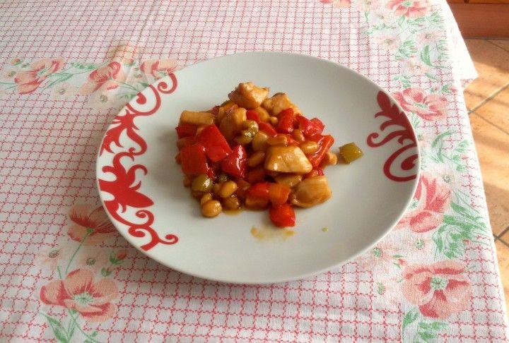 Pollo kung pao CLICCA QUI PER LA RICETTA-> http://blog.giallozafferano.it/eli93/pollo-kung-pao/