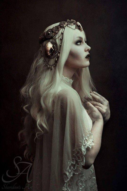 Model/MUA: Kika von Macabre Photography: Laura Sheridan's Art Headdress: Hysteria Machine