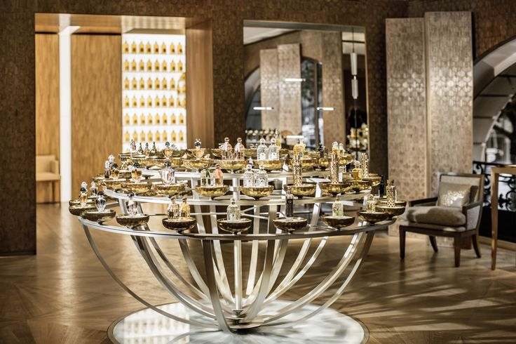 68 Champs Elysees Guerlain  #architecture #interior #marino #peter Pinned by www.modlar.com