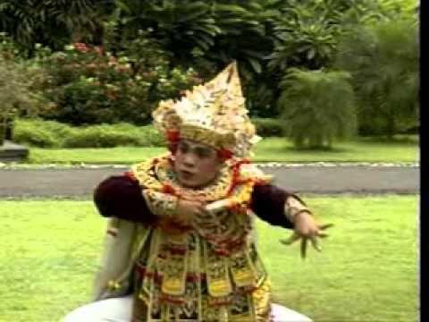 amazing dance from bali - tari baris