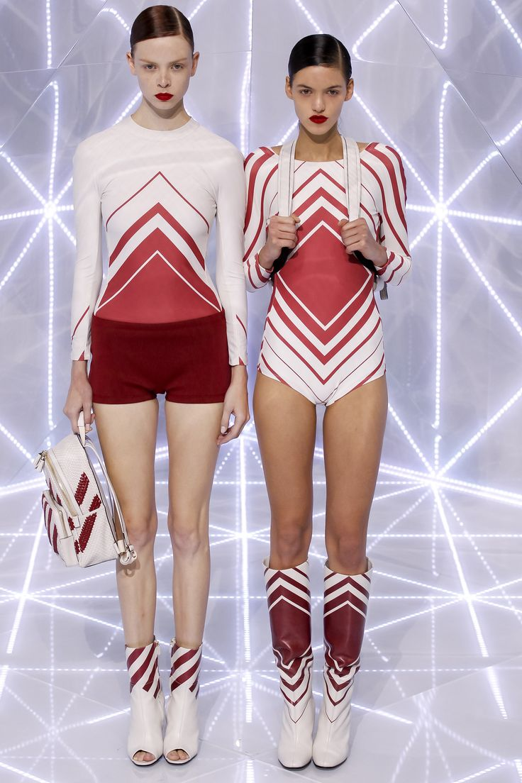 Anya Hindmarch Spring 2016 Ready-to-Wear Collection Photos - Vogue  http://www.vogue.com/fashion-shows/spring-2016-ready-to-wear/anya-hindmarch/slideshow/collection#11