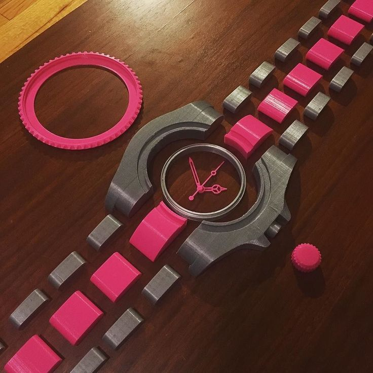Watch 3d printing project is on the way. Keep it up um2 !  45 hrs of printing at this point. Brooklyn New York 2016 - #3dprinting#3dprint#ultimaker#ultimaker2#um2#rolex#submariner#watchporn#wristlife#watch#combination#hotpink#3차원인쇄#쓰리디프린트#울티메이커#울티메이커2#롤렉스#섭마#서브마리너#콤비#핫핑크#핑크#시계 by nedrikk_
